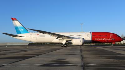 A picture of LNLNT - Boeing 7879 Dreamliner - [38774] - © PAUL QUINN