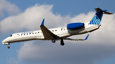 A picture of N16147 - Embraer ERJ145XR - United Airlines - © baseball_ inferno