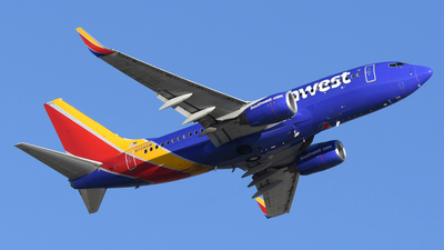 A picture of N728SW - Boeing 7377H4 - Southwest Airlines - © DJ Reed - OPShots Photo Team