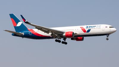 A picture of VPBXW - Boeing 7673Q8(ER) - Azur Air - © Wenbin Lin