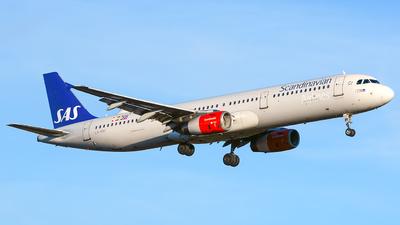 A picture of LNRKI - Airbus A321232 - SAS - © Laszlo Fekete