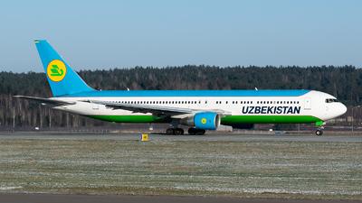 A picture of UK67006 - Boeing 76733P(ER) - Uzbekistan Airways - © Dmitry Molokovich