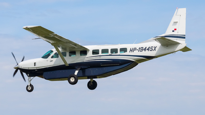 HP-1944SX - Cessna 208B Grand Caravan EX - Private
