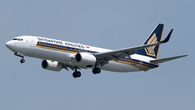 A picture of 9VMGD - Boeing 7378SA - Singapore Airlines - © Andrew Hunt