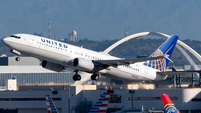 N76532 - Boeing 737-824 - United Airlines