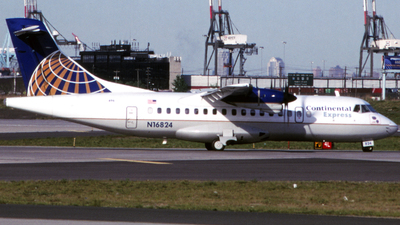 N16824 - ATR 42-320 - Continental Express