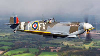 G-CGYJ - Supermarine Spitfire Mk.IX - Private