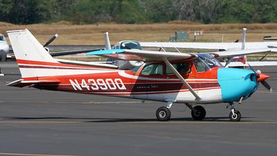 A picture of N4390Q - Cessna 172L Skyhawk - [17260290] - © Ha Hwang