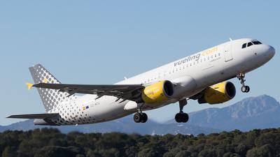 EC-MCU - Airbus A320-214 - Vueling