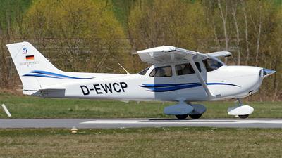 D-EWCP - Cessna 172S Skyhawk SP - Private