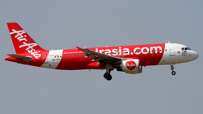 A picture of 9MAHS - Airbus A320216 - AirAsia - © waiping
