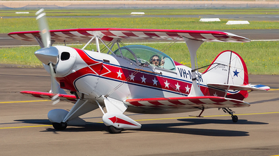 VH-MCR - Pitts S-2A Special - Private