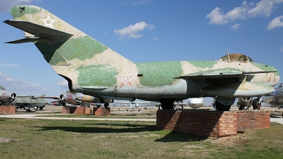71 - Mikoyan-Gurevich MiG-17 Fresco - Bulgaria - Air Force