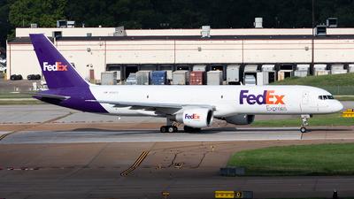 A picture of N991FD - Boeing 757232(SF) - FedEx - © HAOFENG YU