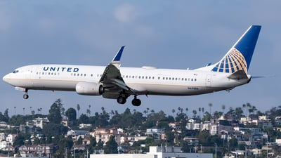 A picture of N69888 - Boeing 737924(ER) - United Airlines - © Ricky Teteris