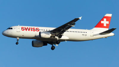 A picture of HBIJD - Airbus A320214 - Swiss - © Olivier Landes