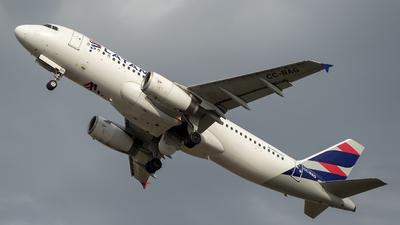 A picture of CCBAG - Airbus A320232 - LATAM Airlines - © Sergio Luis Luna Navarro