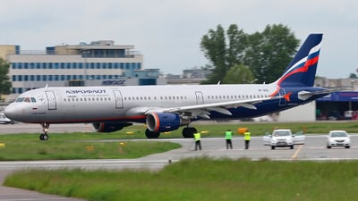 VP-BQX - Airbus A321-211 - Aeroflot