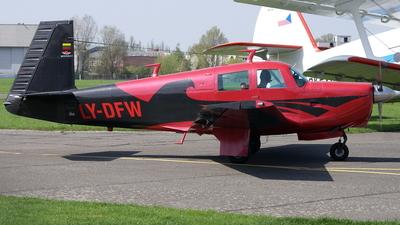 LY-DFW - Mooney M20C - Private