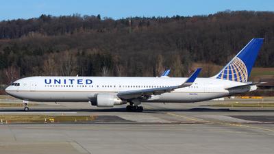 A picture of N642UA - Boeing 767322(ER) - United Airlines - © Wiktor Konrad Kepinski