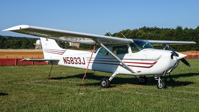 N5833J - Cessna 172N Skyhawk - Private
