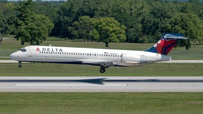 A picture of N932AT - Boeing 717231 - Delta Air Lines - © Yan777