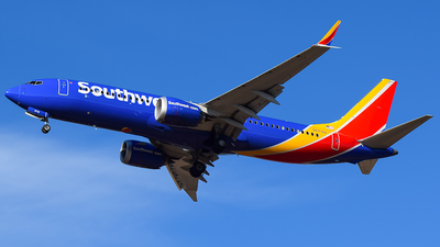 A picture of N8718Q - Boeing 737 MAX 8 - Southwest Airlines - © Evan Dougherty