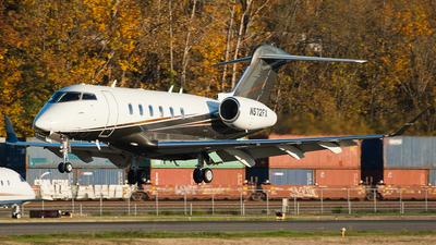 N572FX - Bombardier BD-100-1A10 Challenger 350 - Flexjet