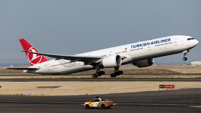 A picture of TCJJI - Boeing 7773F2(ER) - Turkish Airlines - © Ömür Sadikoglu