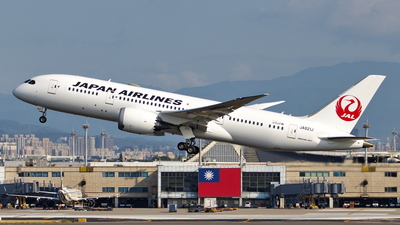 JA821J - Boeing 787-8 Dreamliner - Japan Airlines (JAL)