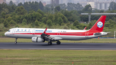 A picture of B302S - Airbus A321231 - Sichuan Airlines - © Eric Wang
