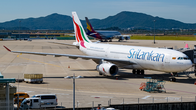 A picture of 4RALB - Airbus A330243 - SriLankan Airlines - © YunHyeokChoi