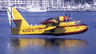 UD.13-21 - Canadair CL-215 - Spain - Air Force