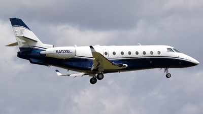 N403SL - Gulfstream G200 - Private