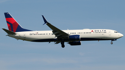 A picture of N923DZ - Boeing 737932(ER) - Delta Air Lines - © Stefano  Castelli