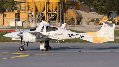 OE-FJW - Diamond DA-42 Twin Star - Private