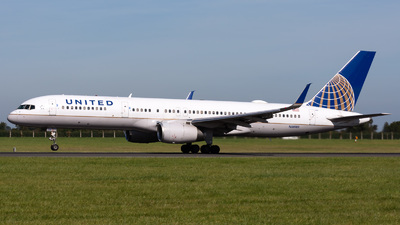 N58101 - Boeing 757-224 - United Airlines