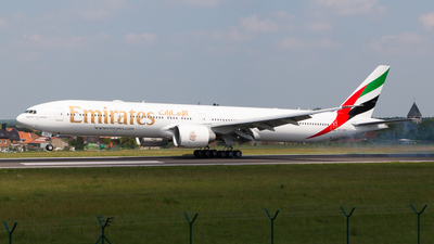 A6-EQK - Boeing 777-31HER - 42359