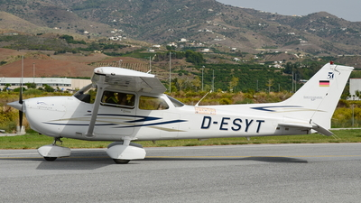 D-ESYT - Cessna 172S Skyhawk SP - Private