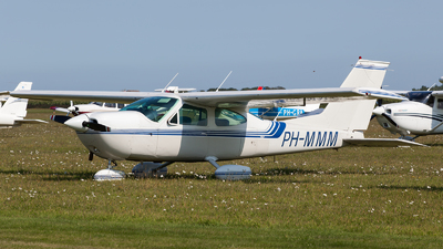 PH-MMM - Cessna 177B Cardinal - Private