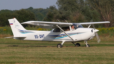 S5-DHT - Cessna 172N Skyhawk - Private