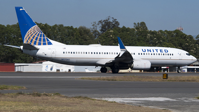 A picture of N77261 - Boeing 737824 - United Airlines - © Brian Boche