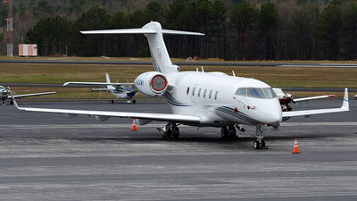 N900WY - Bombardier BD-100-1A10 Challenger 300 - Private