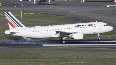 A picture of FHBNC - Airbus A320214 - Air France - © Rod Beaux