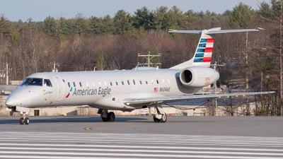 A picture of N604AE - Embraer ERJ145LR - American Airlines - © Luke B