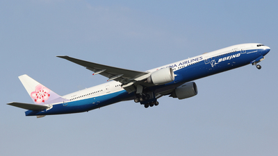 A picture of B18007 - Boeing 777309(ER) - China Airlines - © mobfeng