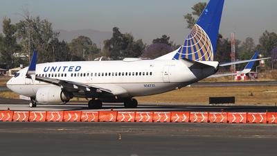 N14731 - Boeing 737-724 - United Airlines