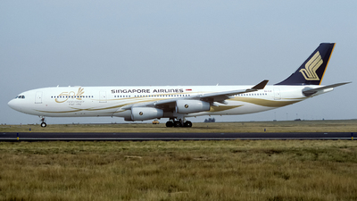 9V-SJE - Airbus A340-313X - Singapore Airlines