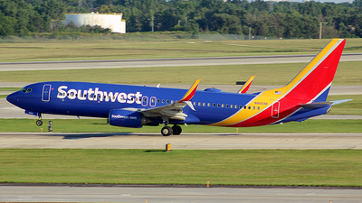 N8669B - Boeing 737-8H4 - Southwest Airlines
