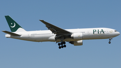 AP-BGJ - Boeing 777-240(ER) - Pakistan International Airlines (PIA)
